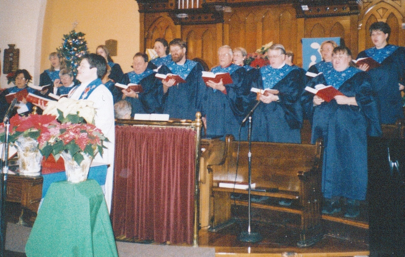 41-5-Liz-02-2003-Christmas-Jane-singing-with-choir